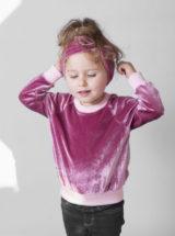 Różowa bluza welurowa